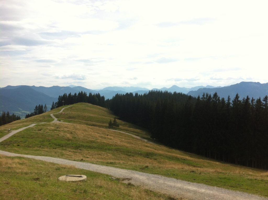 Blick zurück Richtung Heigelkopf von der Wackersberger Alm
