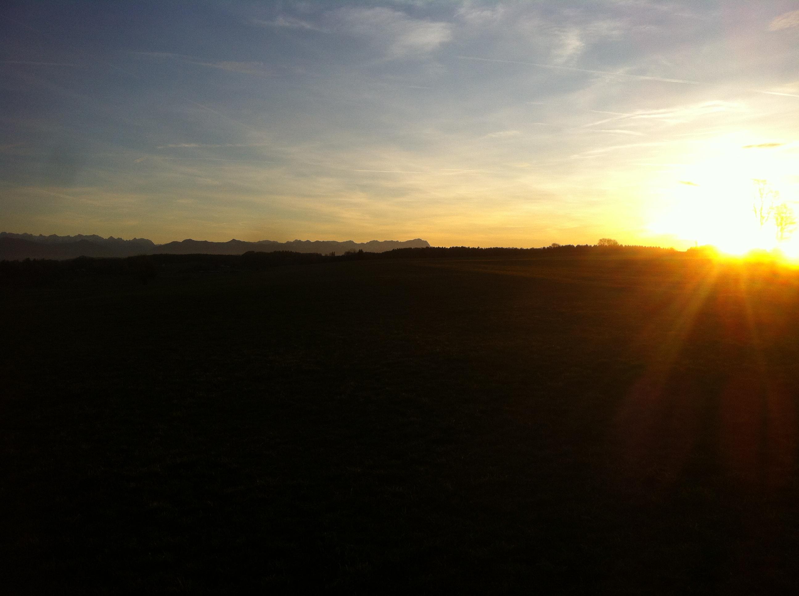 Ende Dezember sind die Tage noch recht kurz, so dass bereits gegen 16 Uhr die Sonne langsam Servus sagt.