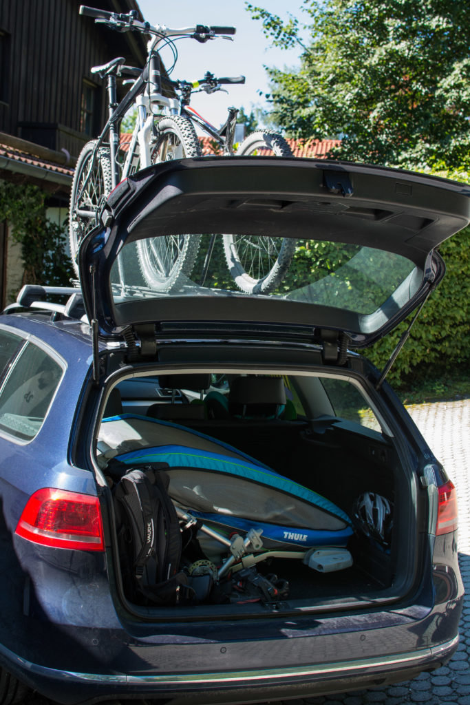 Thule Chariot CX im Kofferraum