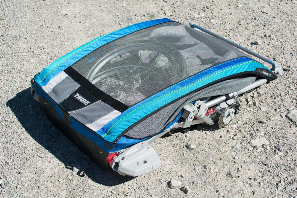 Thule Chariot CX2 zusammengeklappt