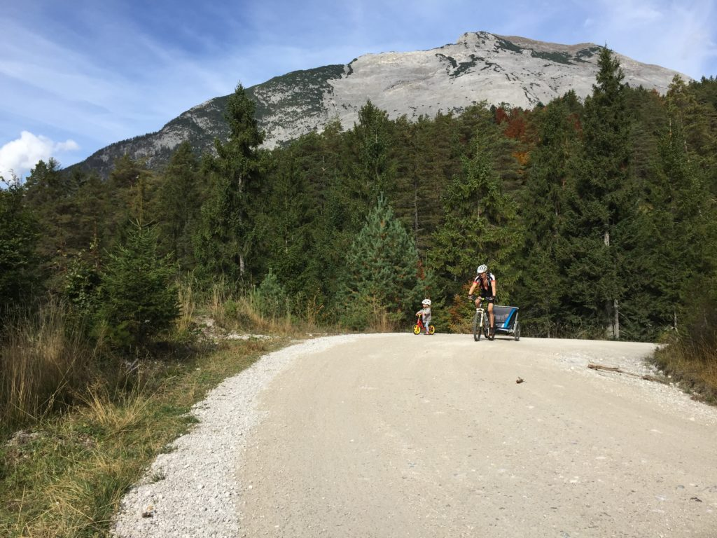 MTB-Tour mit Fahrradanhänger und Laufrad zum Isarursprung
