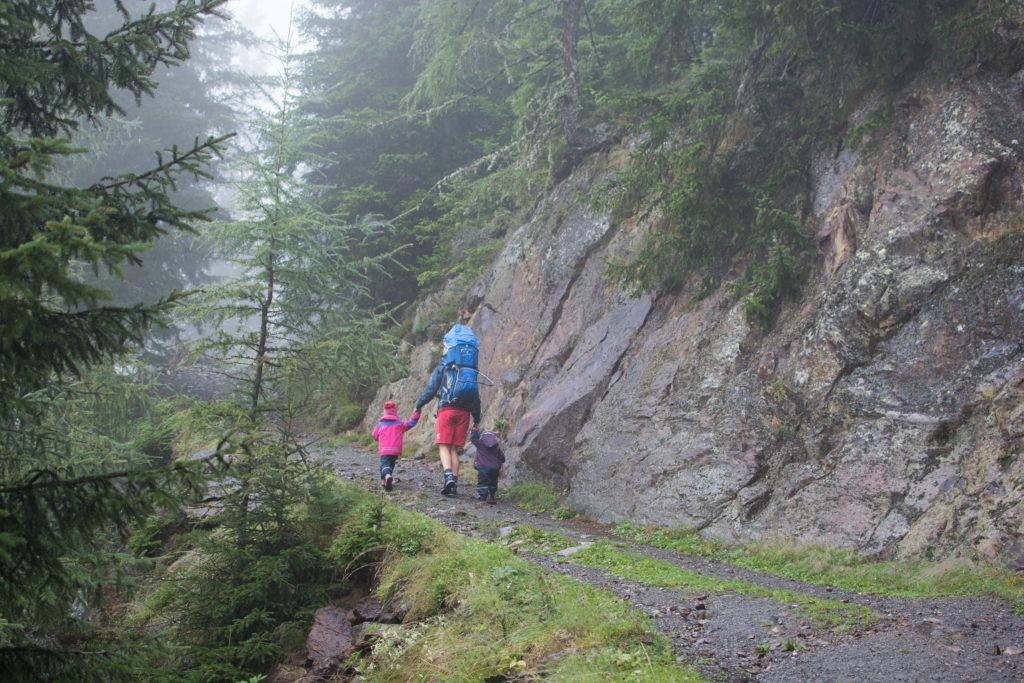 Wandern mit Kleinkind und Kindergartenkind