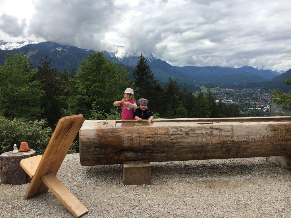 Aussicht von der Tannenhütte über Garmisch-Partenkirchen